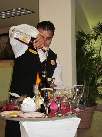Canto Del Sol Plaza Vallarta: Italian Coffee Performance :)