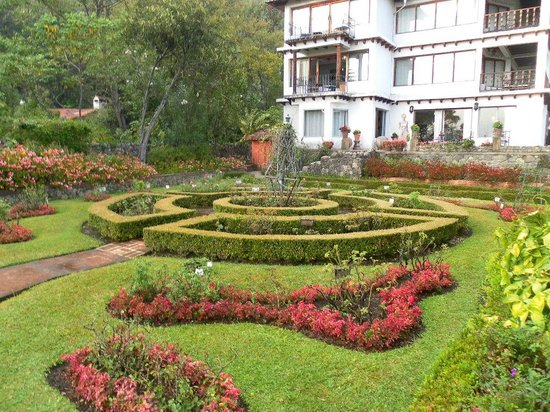 Hotel Atitlan: Beautiful Gardens