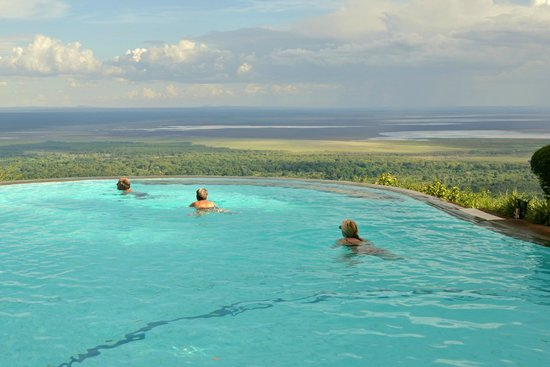 Lake Manyara Serena Lodge : A swimming pool with a view