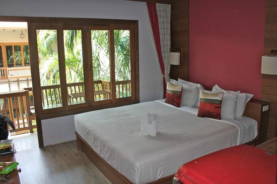 Vieng Mantra Hotel : Bedroom with double bed.