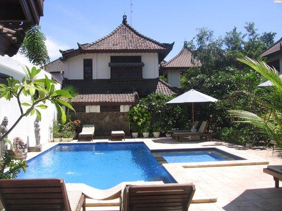 Martas Hotel: piscine
