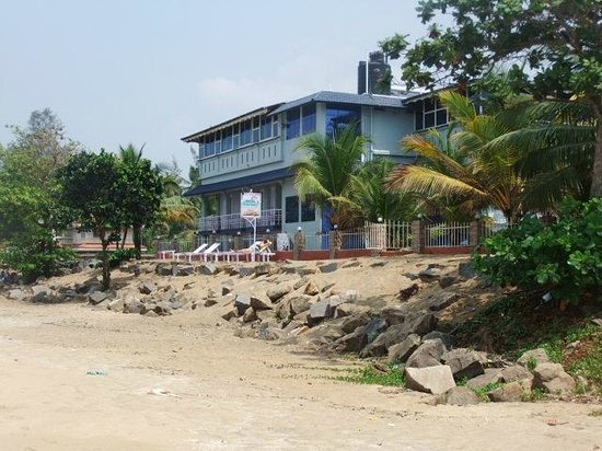 Sea Line Beach Resort, Cherai : view of hotel
