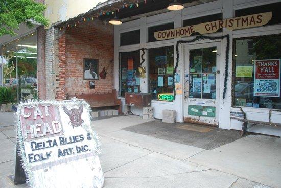 Cat Head Delta Blues & Folk Art: l'entrata del negozio