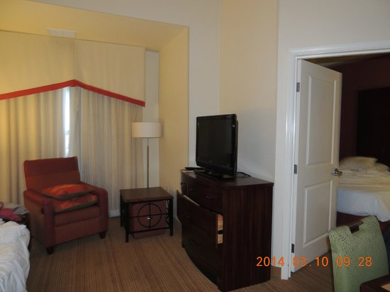 Residence Inn Albuquerque Airport: spacious area for tv watching and also a sleeper sofa