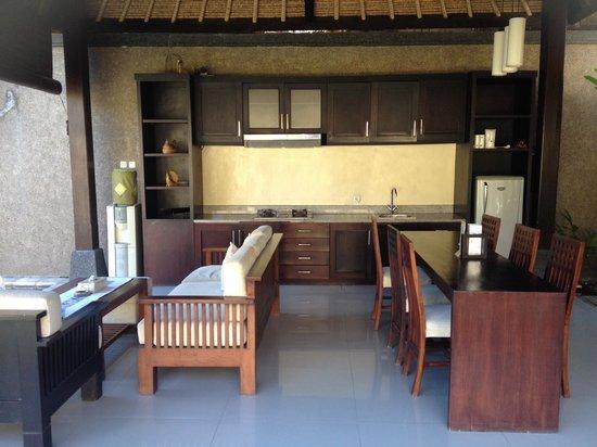 Bali Rich Luxury Villa : Out door kitchen