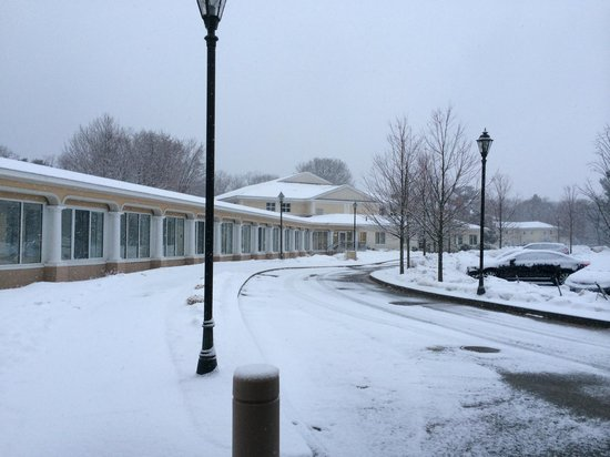 The Wylie Inn and Conference Center at Endicott College: View of Wylie Inn in Snow