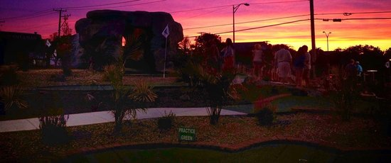 Beautiful sunset @ Island Miniature Golf