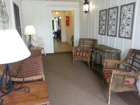 Clark's Inn : Outdoor seating area.