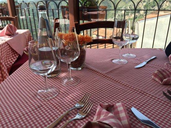 La Taverna dell' Etna : Il nostro tavolo