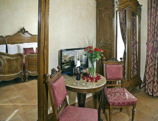 Hotel Caesar Prague: Antique room