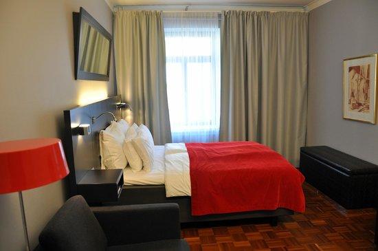 Solo Sokos Hotel Torni: кровать