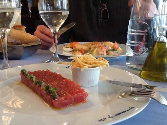 La Mediterranee : Tune tartar and langoustine salad