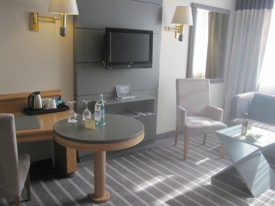 Best Western Premier Parkhotel Kronsberg: Room