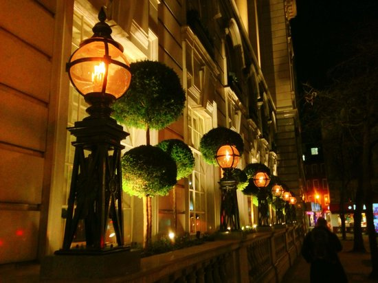 Rosewood London: Outside the hotel