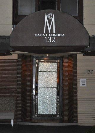 Maria Condesa Boutique Hotel: Hotel storefront