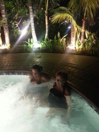 Humphreys Half Moon Inn : Enjoying hot tub
