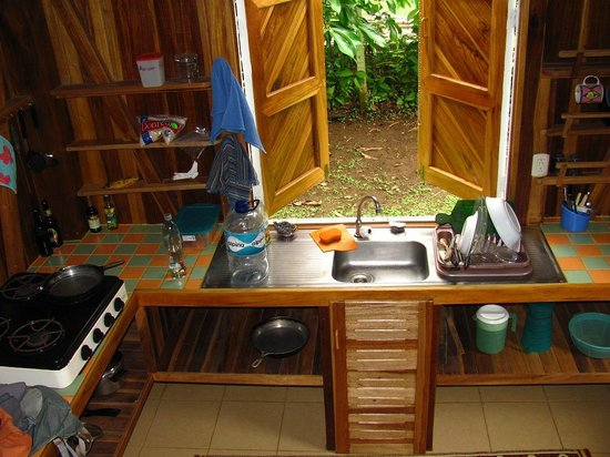Chimuri Beach Retreat : The kitchen