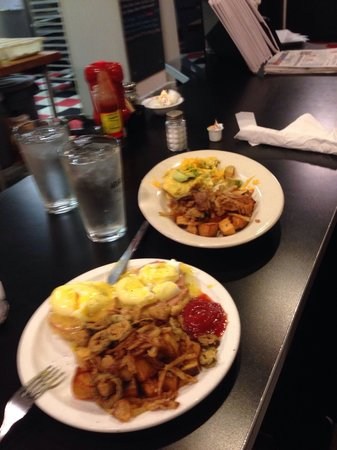 New Atlas Grill : Fried potatoes w/ fried jalapeños and onions, eggs Benedict (Sat only), Denver omelet less ham a