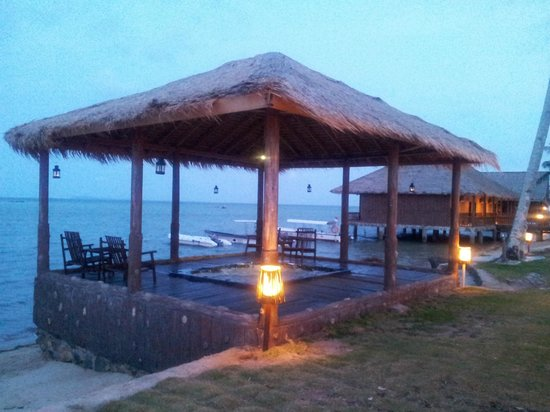 Bintan Spa Villa Beach Resort: Outdoor Jacuzzi