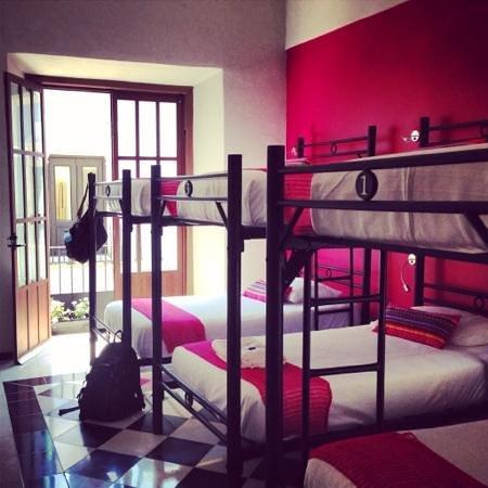 Hostal Casa Balché: Pink Room