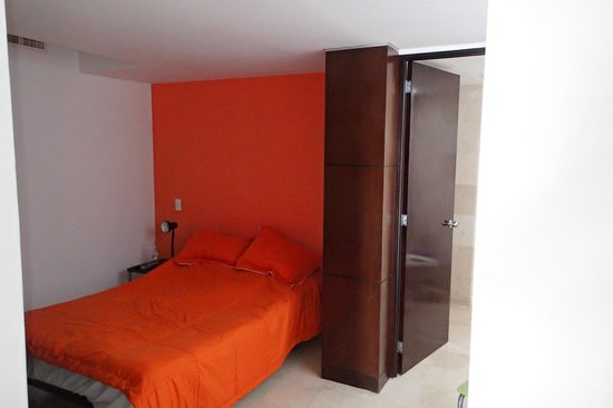 Hostel Mundo Joven Cancun: room, bed