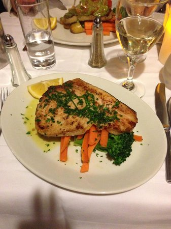 Da Paolo Restaurant : Sword fish with grilled vegetables