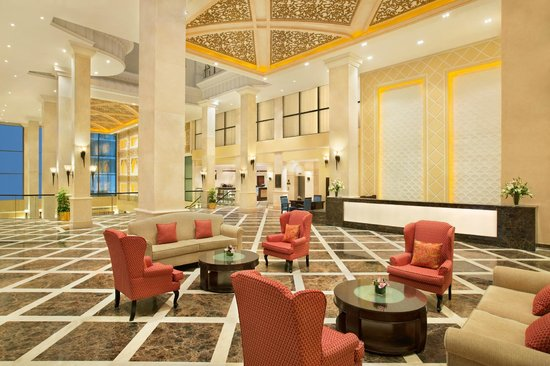 DoubleTree by Hilton Hotel Dhahran: Lobby Lounge