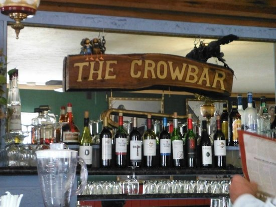 Crowbar Cafe & Saloon : back bar