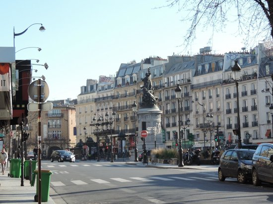 Place de clichy photo de hotel darcet paris tripadvisor for Place de clichy castorama