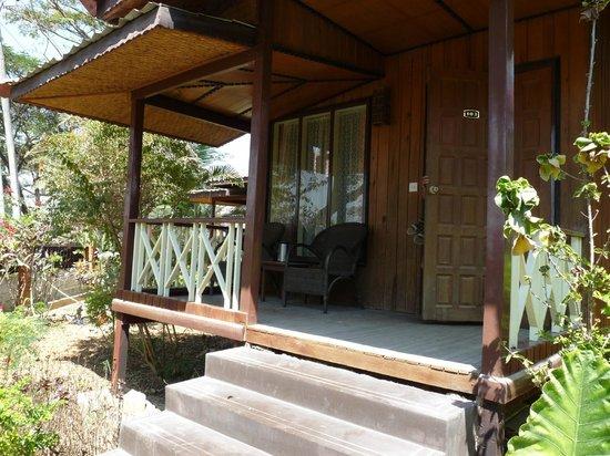 Princess Garden Hotel : terrasse du bungalow n°103