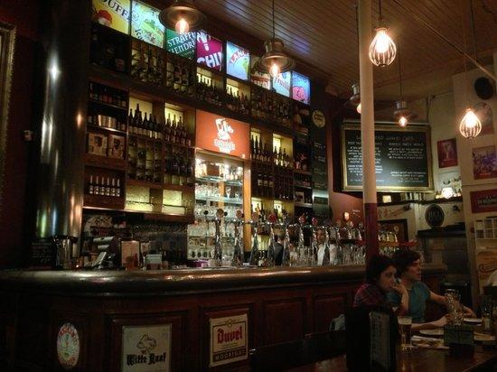 Lowlander : First floor of the bar