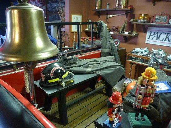 Fort Lauderdale Antique Car Museum: Intérieur camion de pompier