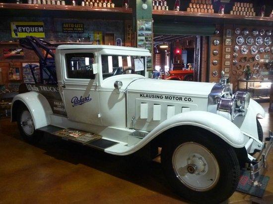 Fort Lauderdale Antique Car Museum: Dépanneuse