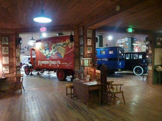 Fort Lauderdale Antique Car Museum: Autos exposés