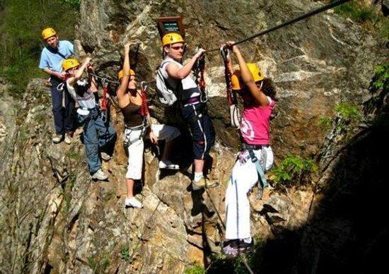 Mont Bouquet Lodge & Activity Center : Via Ferrata activity to book at the Lodge on-site Activity Centre