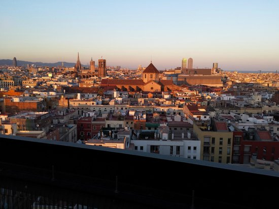 Barcelo Raval: Part of the 360 degree rooftop view