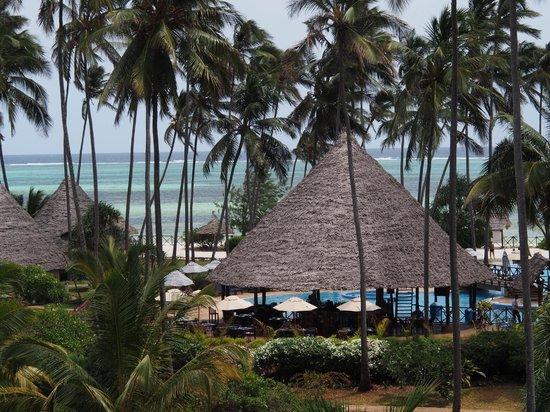 Ocean Paradise Resort & Spa: espace piscine/plage