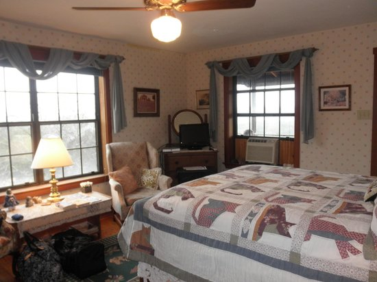 Southwind Bed and Breakfast: Cat's Paw room