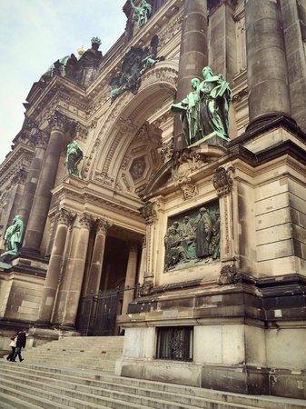 Berliner Dom: front entrance