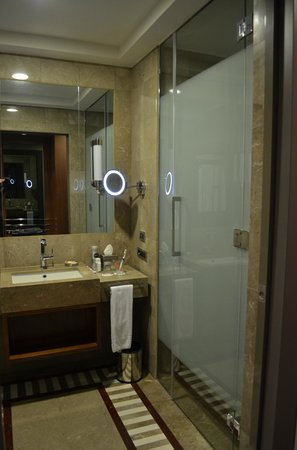 Sheraton Bursa Hotel : bath