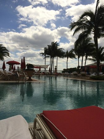 Acqualina Resort & Spa on the Beach: Pool