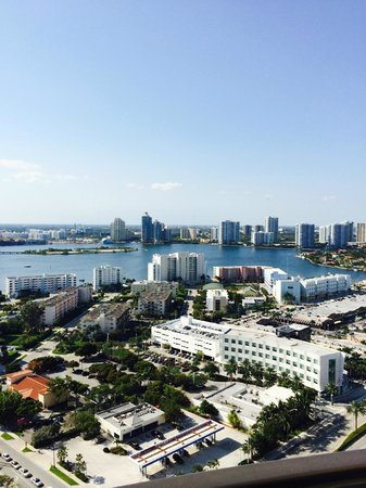 Acqualina Resort & Spa on the Beach: Intracoastal view from 28th floor