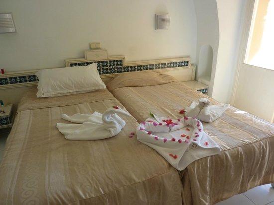 Hotel Djerba Les Dunes: ma chambre face à la piscine en rez de chaussé