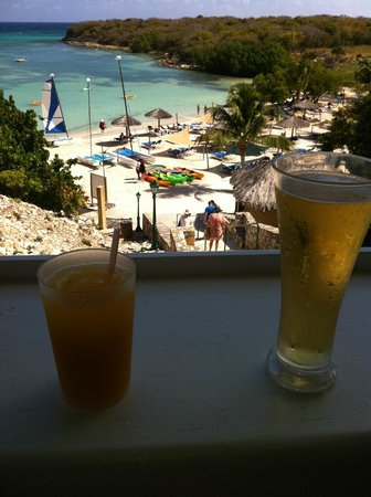 The Verandah Resort & Spa : View of the main beach from the Beach Bar and Grill