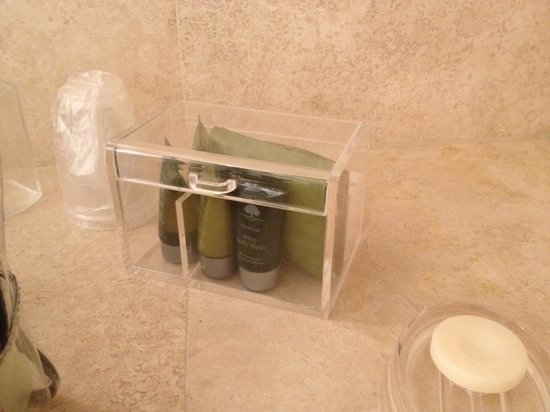 The Lilac Door : Hotel style toiletries