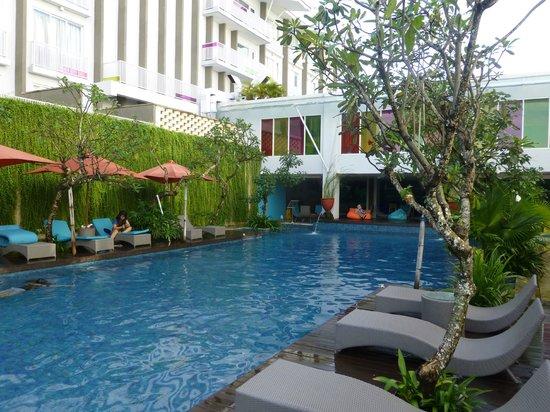 Ibis Styles Bali Benoa: pool