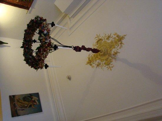 Botaniek  Hotel: Красивая люстра в холле