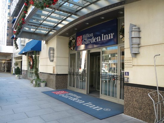 Hotel Entrance Picture Of Hilton Garden Inn Washington Dc Downtown Washington Dc Tripadvisor