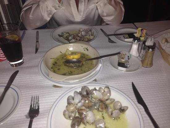 Restaurante Atlântico: clams el a butao. see you in the summer for more of these!