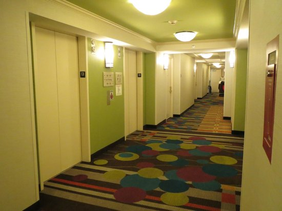 Hilton Garden Inn Washington, DC Downtown: Elevator Hall